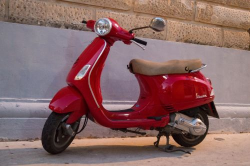 vespa motorcycle travel