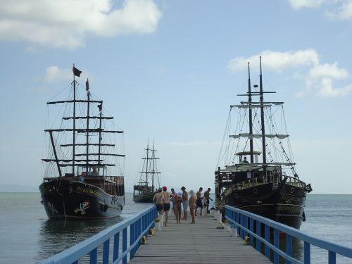 vessels beach brazil