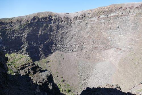 vesuvius volcano naples