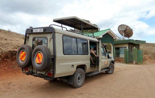 vevoer jeep safari