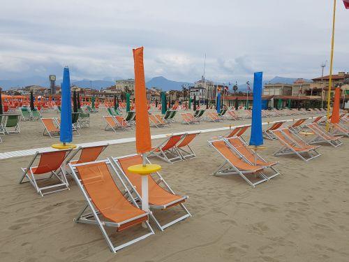 sun loungers viareggio italy