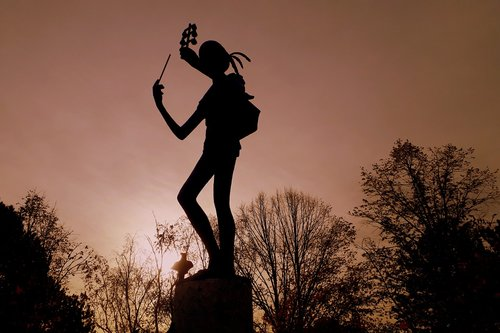 vienna  statue  figure