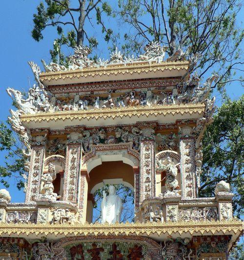 viet nam temple portico