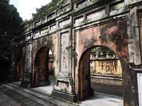 vietnam hue palace
