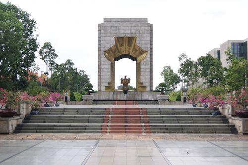 vietnam monument places of interest