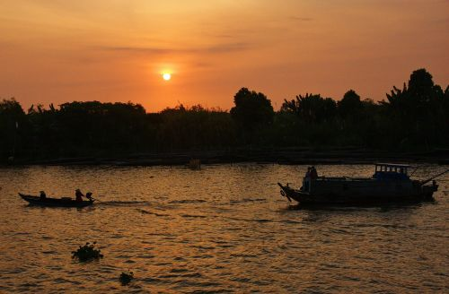 vietnam mekong river boat trip