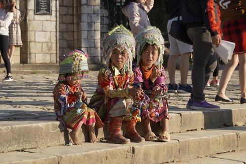vietnam  mountain peoples  costumes