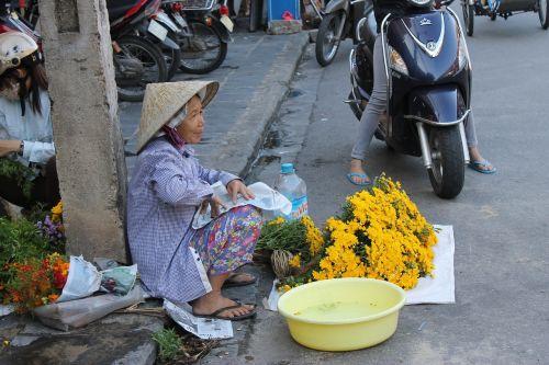 vietnam street vendors hoi an street vendor vietnam farmer