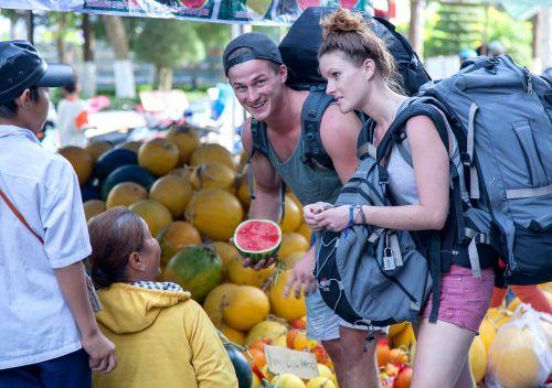 vietnam tourism watermelon backpacker
