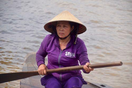 vietnamese lady vietnamese boat mekong river