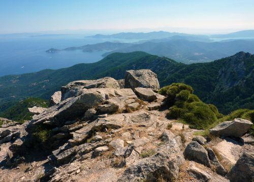view distant landscape