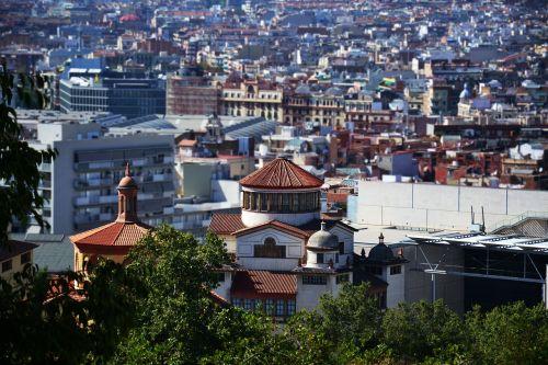 view barcelona gaudí