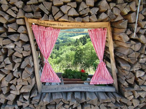 view holzstapel window