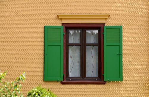 view of the window fenstramen shutter