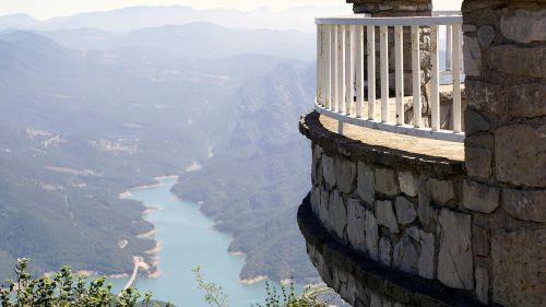 viewpoint landscape horizon