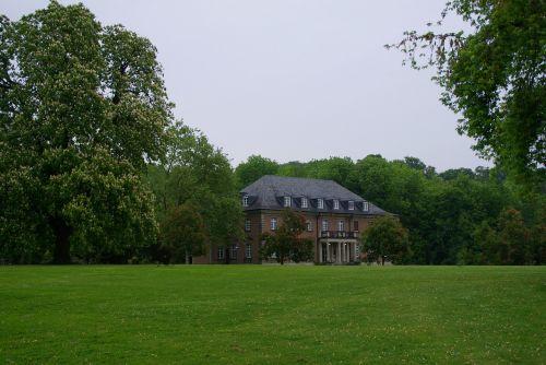 villa park rain