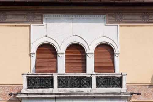 villa town home building