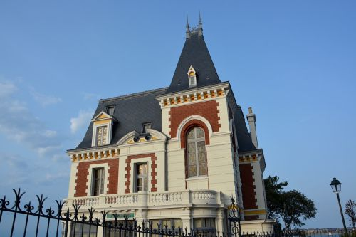 villa remains bourgeois house