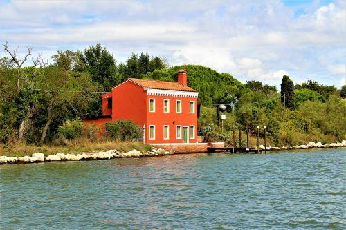 villa water lagoon