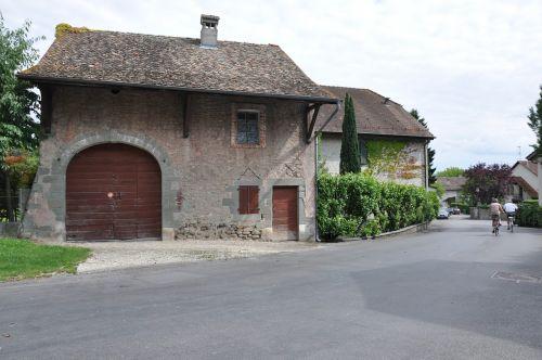 village laconnex geneva