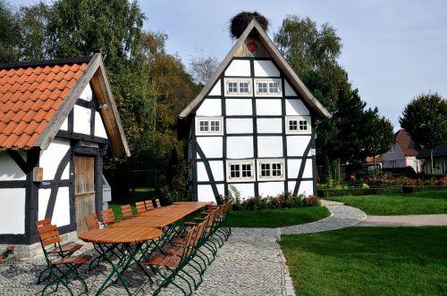 village square fachwerkhaus storchennest