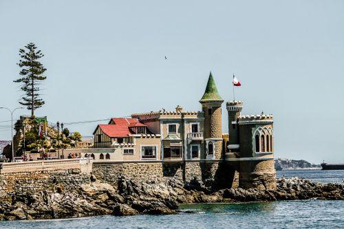 viña del mar castle blue sea