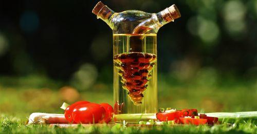 vinegar oil tomatoes