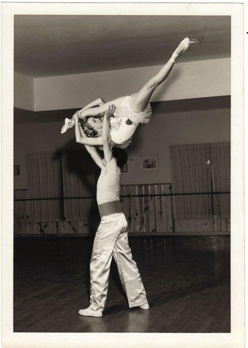 vintage retro dancers