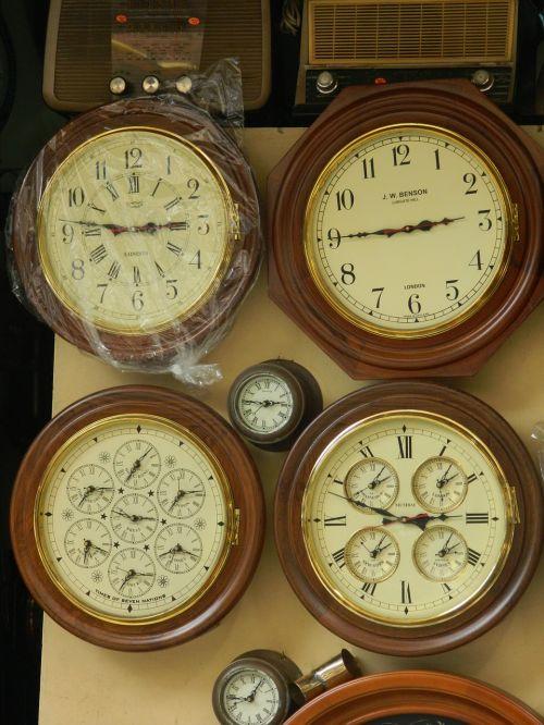 vintage clocks time
