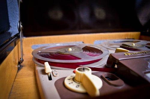 vintage  disk  turntable