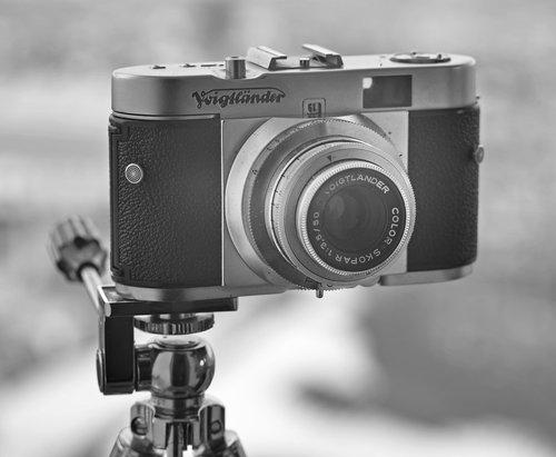 vintage camera  retro  black and white