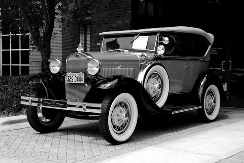vintage car  retro  monochrome
