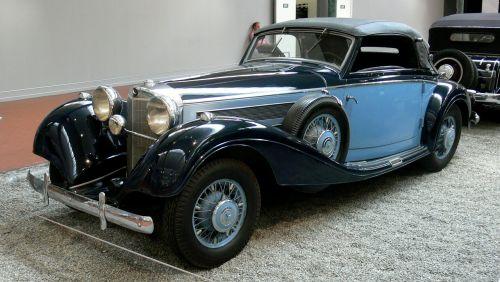 vintage mercedes-benz cabriolet 1938