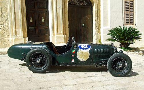 vintage racing car classic racing car old racing car