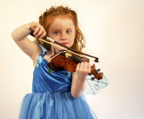 violin child girl
