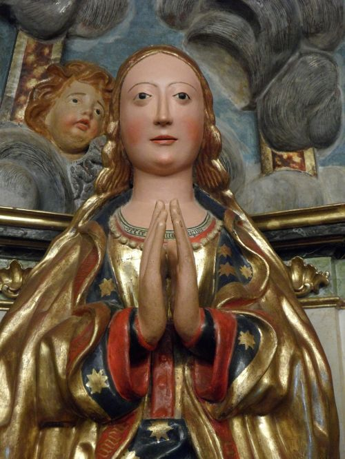 virgin mary maria sculpture