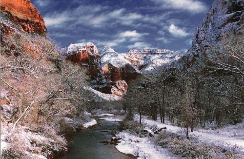 virgin river zion national park rock