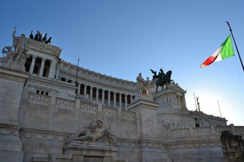 vittoriano,italy,rome,italian flag,italian,palace,sculptures,columns