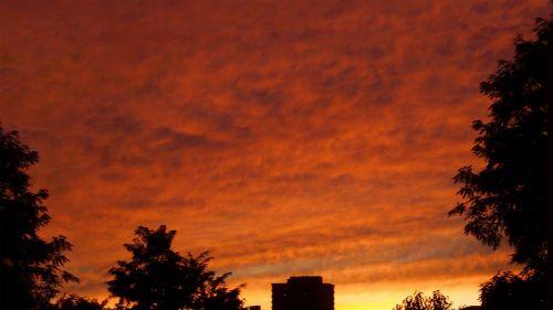 gyvas,dangus,debesys,audra,saulėlydis,kraštovaizdis,gamta,spalvinga,šviesa,lauke,vaizdingas,gyvas,dusk