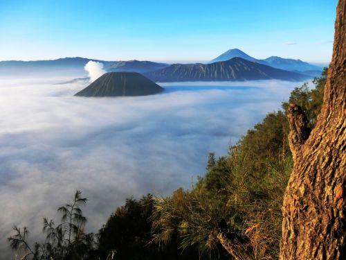 volcano bromo indonesia