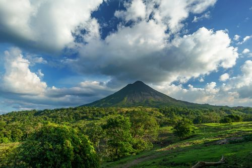 volcano costa rica clouds