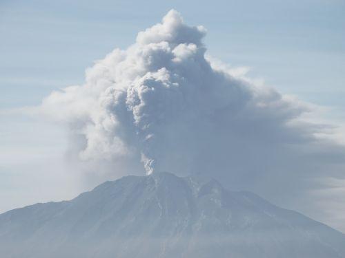 volcano eruption chile