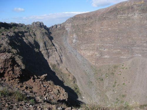 volcano vesuvius mountain