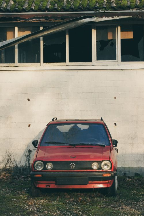 volkswagen red auto