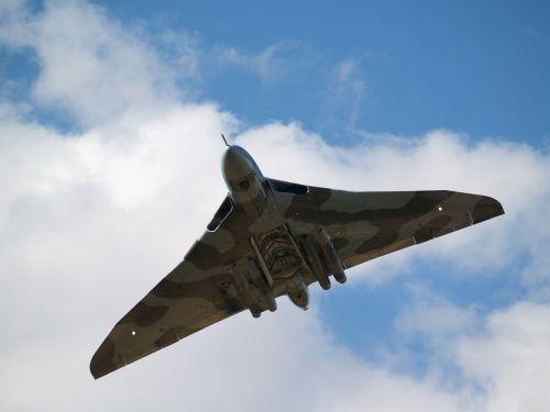 vulcan bomber aircraft