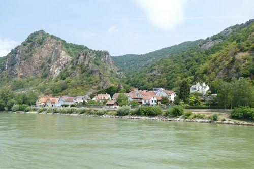 wachau,austria,žemutinė Austrija,Danubės slėnis,Danube regionas,Danube,laivyba,upės kruizas,kalnas,kraštovaizdis,upė,kruizas danube,kaimas