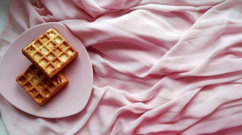 wafer dessert sweet