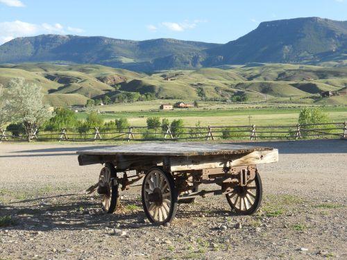 wagon prairie vintage