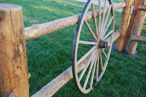 wagon  wheel  old antique