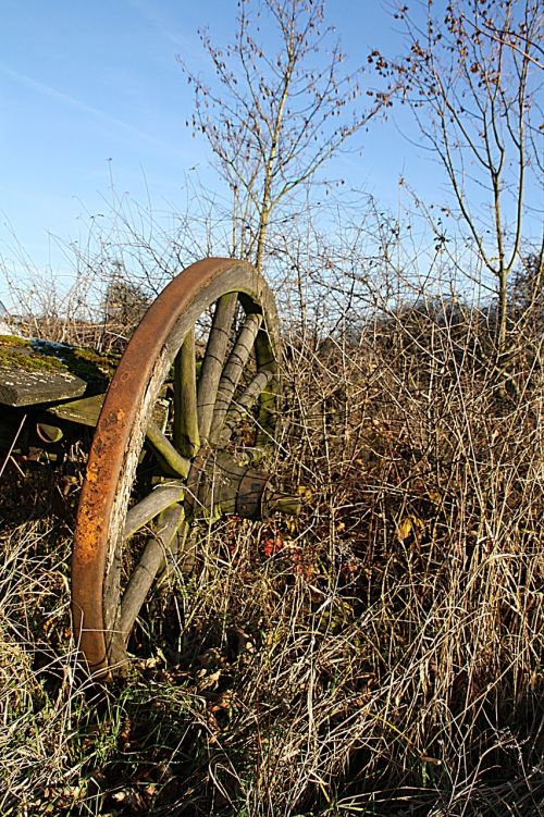 wagon wheel wheel old